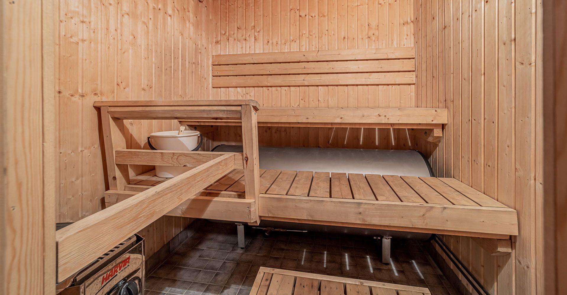 Saunatilat • Pori   Hyvelän Majassa kaksi eri saunaa onnistuneisiin saunailtoihin